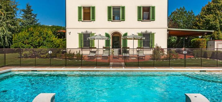 villas in tuscany with chef