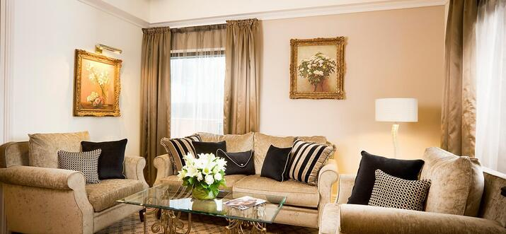 hotels with rooftop pool in melbourne