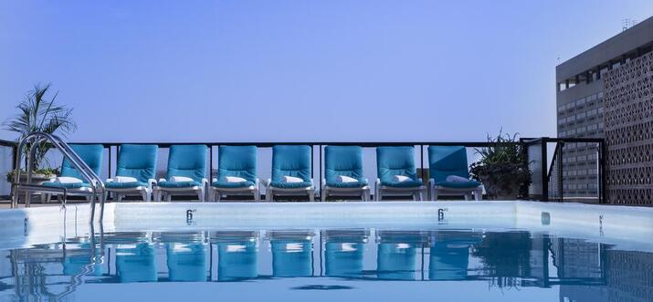 hotels with rooftop pool in philadelphia