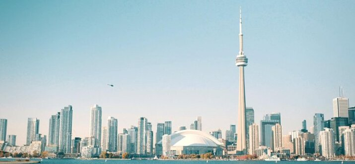 things to do alone in Toronto
