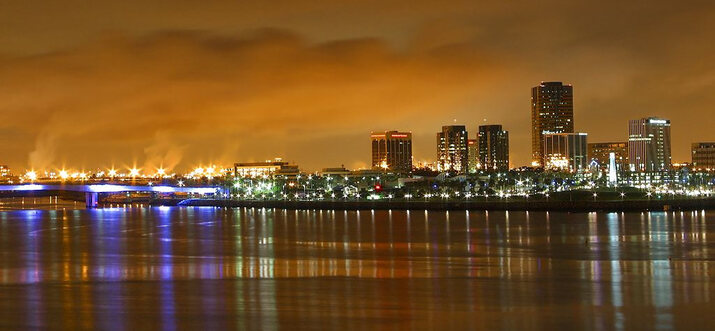 things to do at night in virginia beach