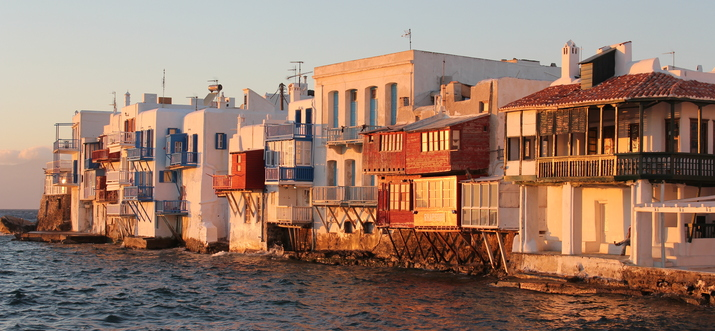 things to do in mykonos at night