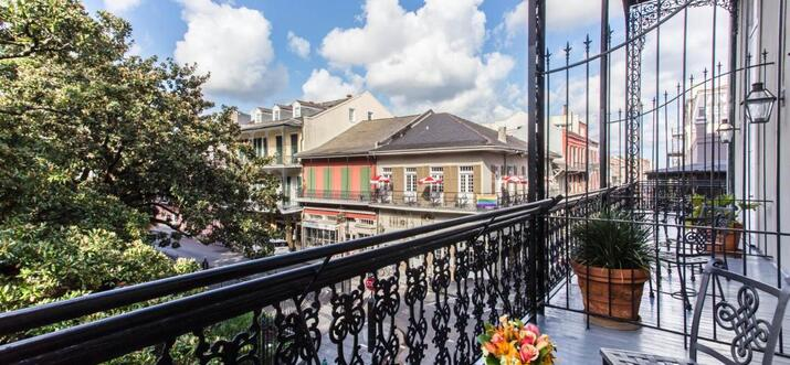 hotels with balconies in new orleans