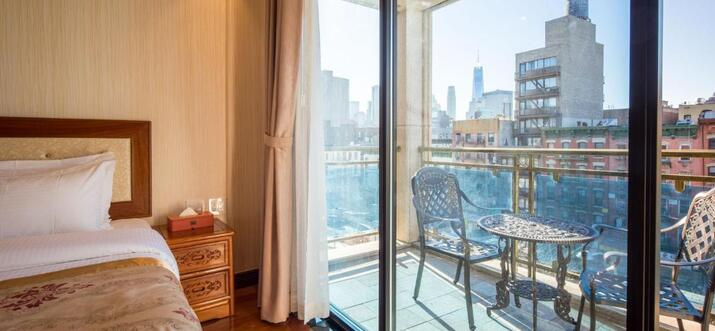 new york city hotels with balconies