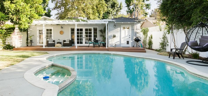 los angeles airbnb with pool