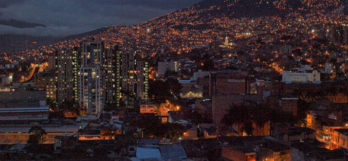 things to do in medellin at night