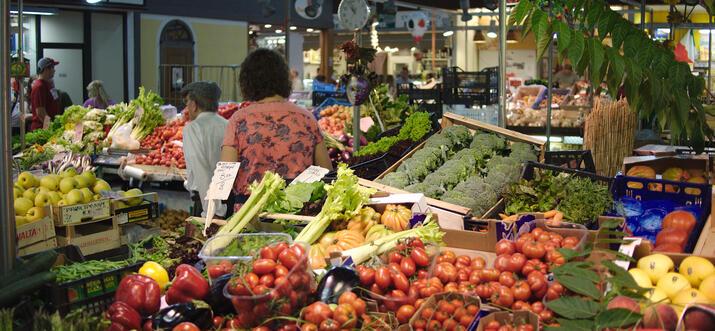 food markets in milan