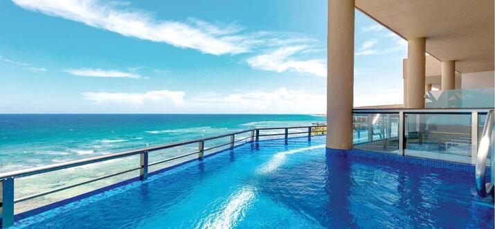 swim up suites in riviera maya