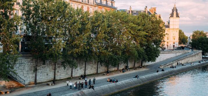 safe neighborhoods in paris