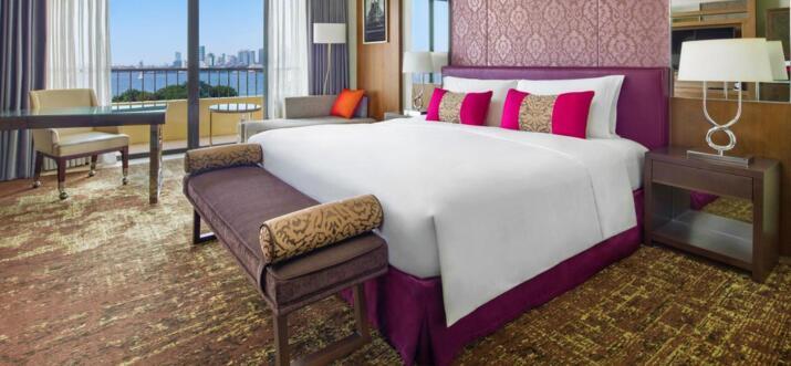 best hotel restaurant in manila