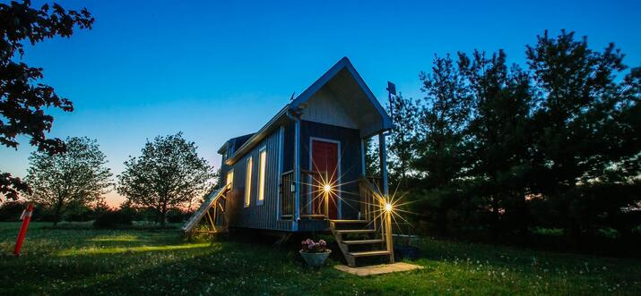 airbnb tiny house ontario