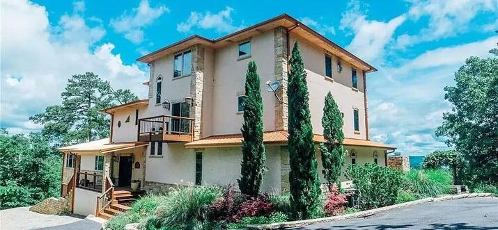 broken bow cabins with swimming pool