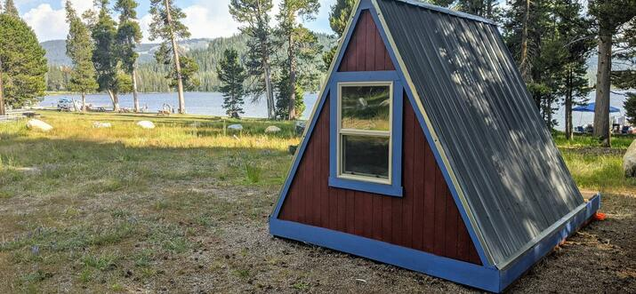 A Unique Airbnb Stay in Lake Tahoe: Enjoy Lakeside Glamping In This Tiny Home