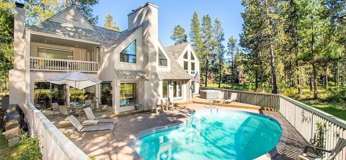 vacation rental with private pool oregon