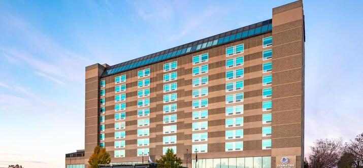 new hampshire hotels with pools