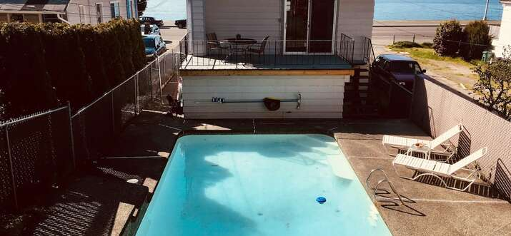 airbnb with pool seattle