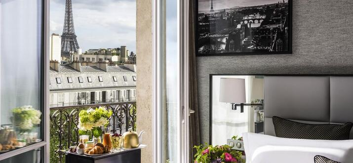 hotels with balcony view of eiffel tower