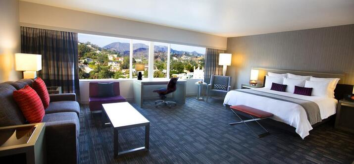 hotels with view of hollywood sign