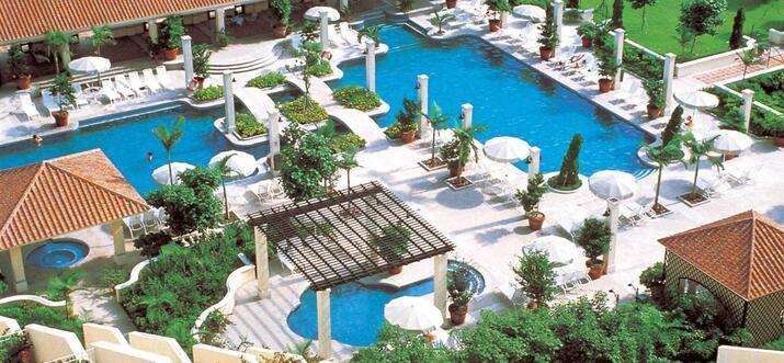 Hotels & Airbnb Accommodations Near Cheoc Van Beach, Macao