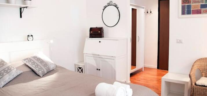 airbnb Milano Centrale, Italy