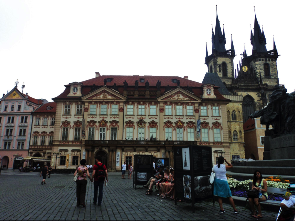 Explore prague and its beautiful old town square for Hotels near old town square prague