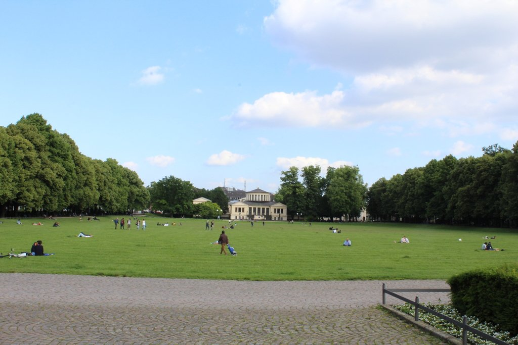 spend a sunday in bonn, germany, like the locals | relax in the hofgarten
