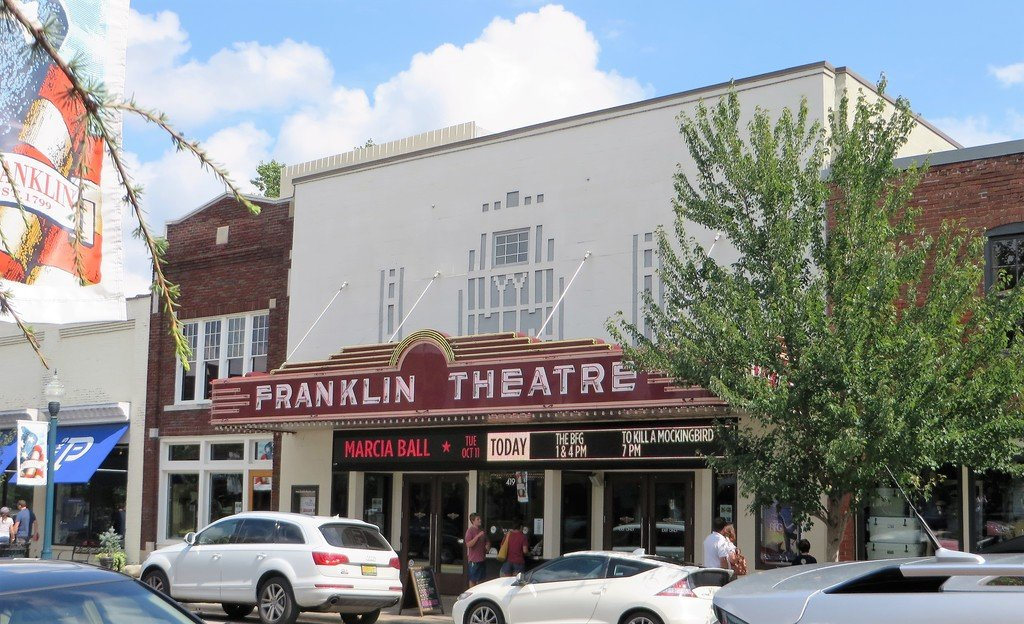 Spend A Day In Franklin Tn Shopping And Eating With The