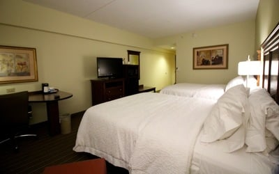 Hampton inn frederick bed